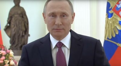 Владимир Путин поздравил женщин с 8 марта стихами Бальмонта