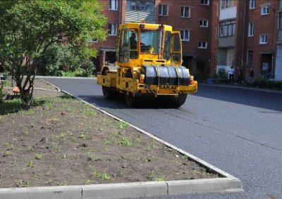 Мэр Кемерова Илья Середюк проконтролировал, как в городе ремонтируют дворы