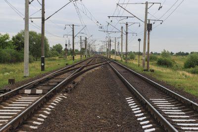 В Кузбассе электричку задержали на час из-за утечки газа на автозаправке