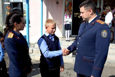 В Кемерове Следком наградил школьника за спасение младенца из пожара