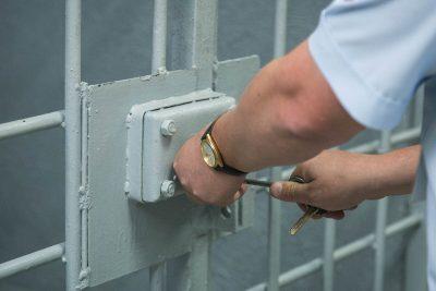 В Кемерове задержали директора турфирмы за обман клиентов на три миллиона рублей