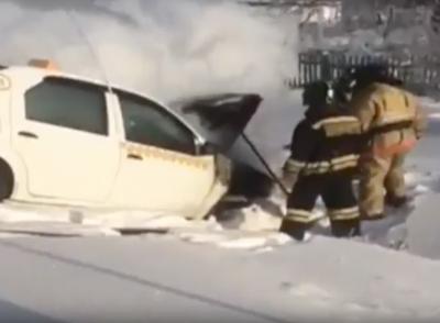 Пожар в Renault в Анжеро-Судженске сняли на видео