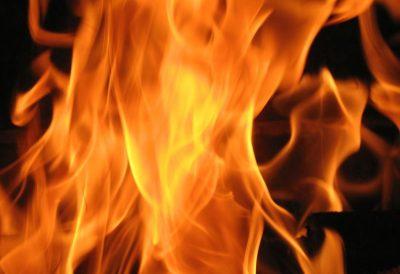 За полдня в Кузбассе загорелись три автомобиля