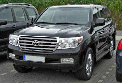 Кузбассовец хотел купить Land Cruiser и отдал мошеннику 300 тысяч рублей