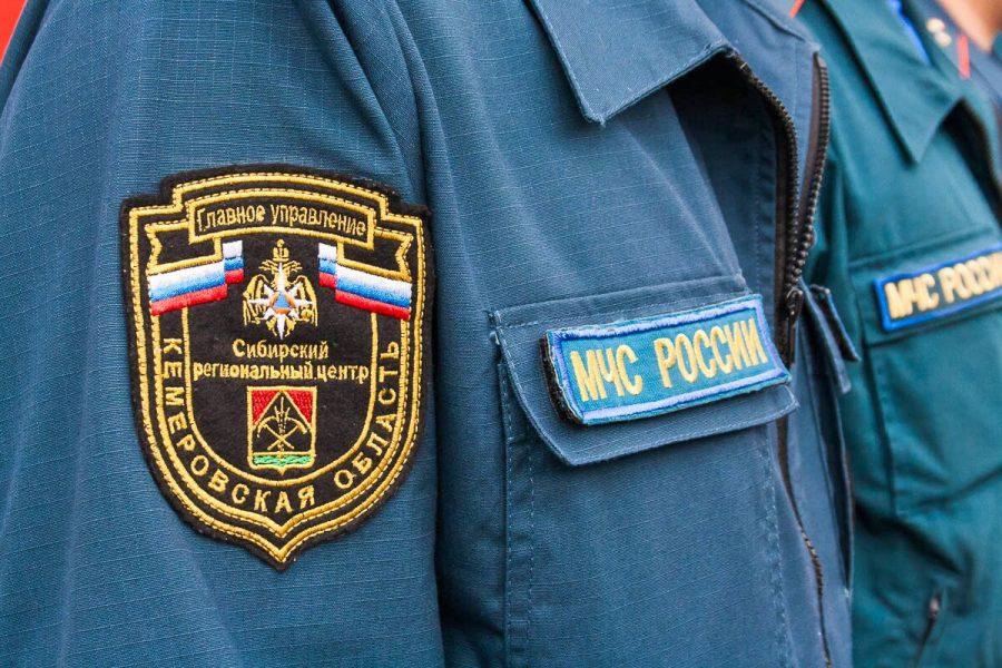 В Кузбассе почти полтора часа тушили пожар
