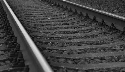 В Кузбассе грузовой поезд насмерть сбил мужчину