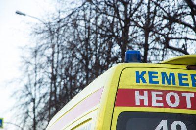 В Кемерове мужчина получил перелом позвоночника после падения с высоты третьего этажа
