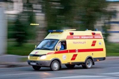 В Кемерове выпавшая из окна общежития женщина скончалась в больнице