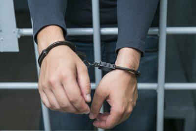В Кузбассе слесарь предстанет перед судом за сбыт наркотиков на рабочем месте