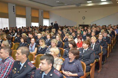 В Кузбассе наградили сотрудников информационного центра регионального ГУ МВД России