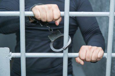 Кузбассовец угодил за решётку на 21 год за изнасилование девочки