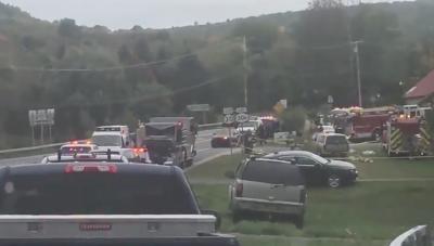 В США разбился свадебный лимузин, 20 человек погибли