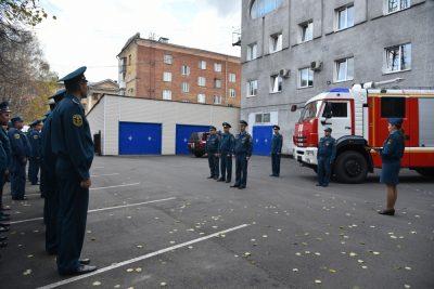 Можно спать спокойно: новокузнецкие пожарные получили на вооружение новую машину