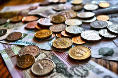«Не будем мелочиться»: Новокузнечане рассказали, сколько нужно денег для счастья