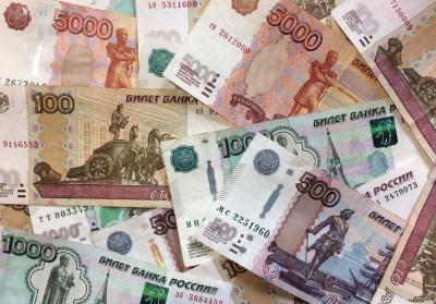 Кузбассовцы набрали займов до зарплаты на миллионы рублей