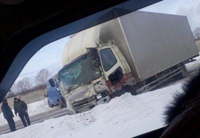 В Кемерове грузовик устроил массовое ДТП с пострадавшим