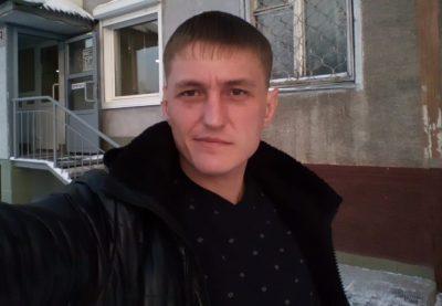 В Кемерове возле детсада нашли тело мужчины, разыскиваются свидетели