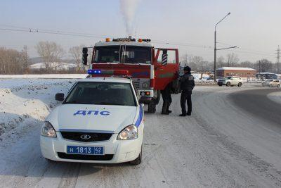В Новокузнецке водитель грузовика чуть не замёрз в машине