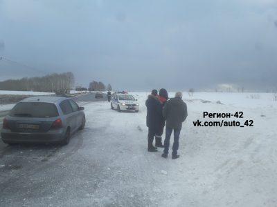 Фото: пьяный водитель слетел в кювет под Кемеровом