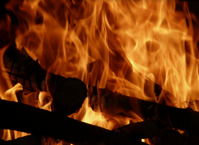 Кемеровчанин из-за обиды сжёг два дома