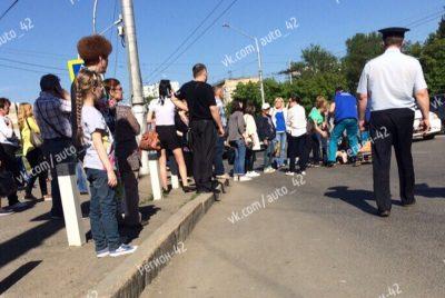 Фото: в Кемерове на Октябрьском сбили ребёнка