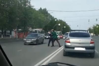 Кто напал на автомобилиста на кемеровской дороге?