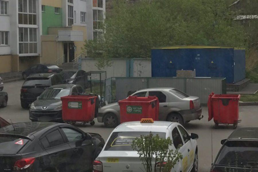 Кемеровчане жёстко наказали «короля парковки» в элитном районе города