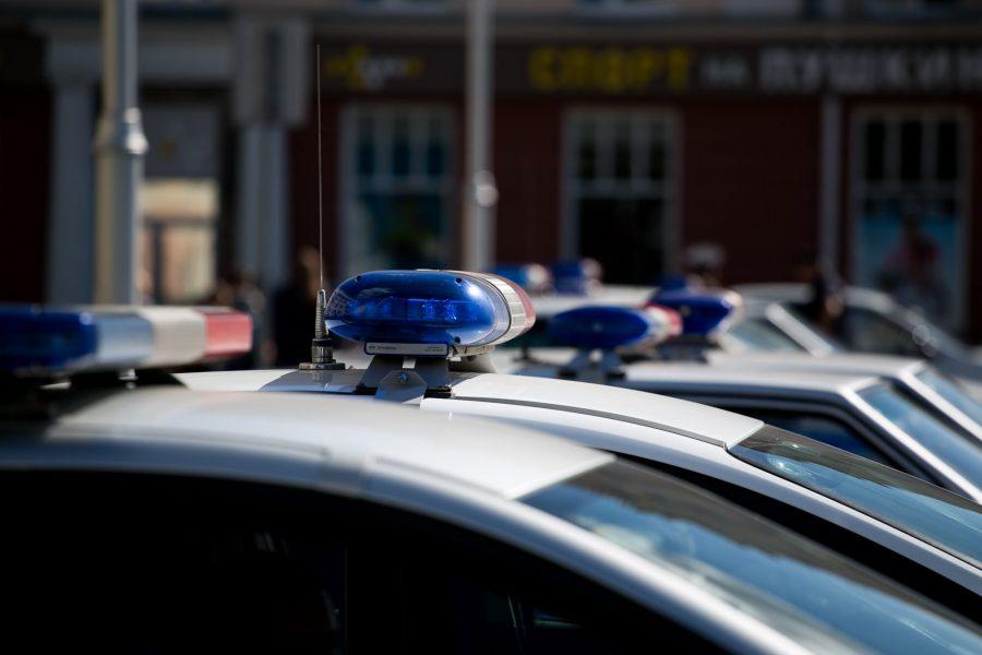 Двое кузбассовцев угнали и разбили дорогую машину