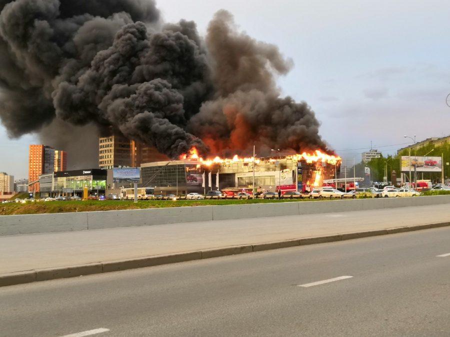 Сгоревший автосалон штрафовали за нарушение пожарной безопасности