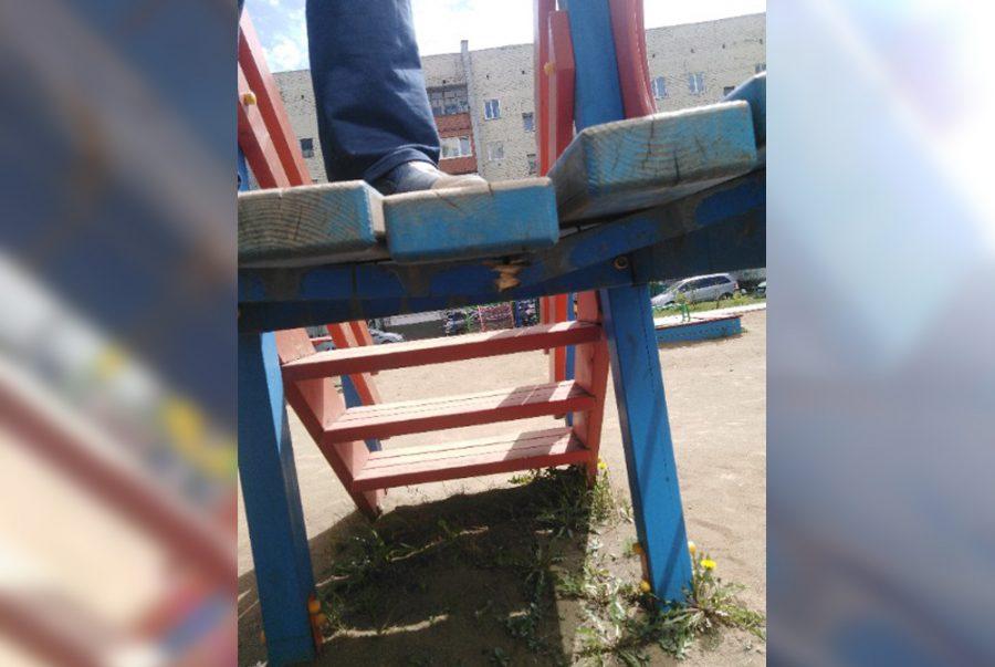 Фото: маленькие кузбассовцы подвергаются серьёзной опасности на детской площадке