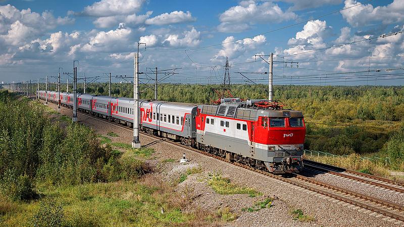 В Кемерове поезд задавил спящего на рельсах человека
