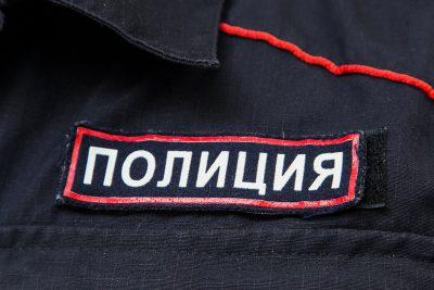 Кузбассовцев швырнул в детей зажжённой петардой: полиция проводит проверку