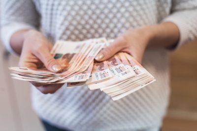 Кузбассовец хотел вернуть долг, а в итоге потерял все деньги