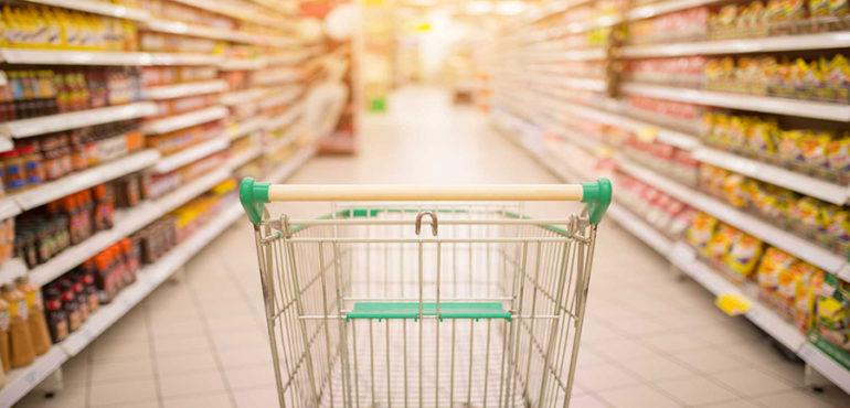 Супермаркеты будут продавать еду в кредит