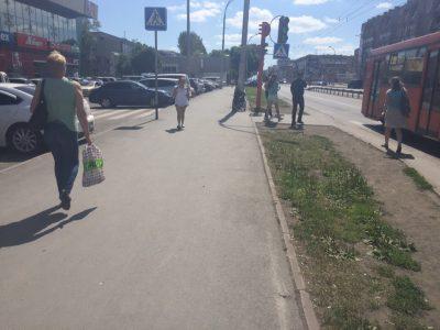 Восстал из мёртвых: у кемеровского ТЦ снова заметили «скончавшегося» инвалида