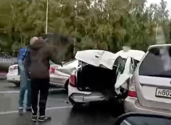 Видео: кемеровчанин пострадал в массовом ДТП