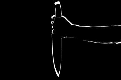 В Кузбассе мужчина ударил подростка ножом в спину