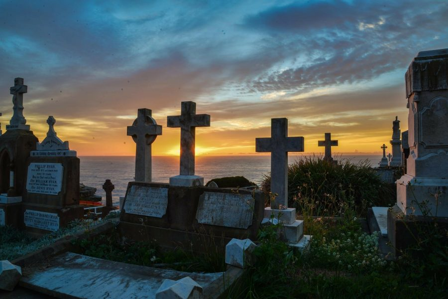 В Кузбассе преступник погиб во время ограбления на кладбище
