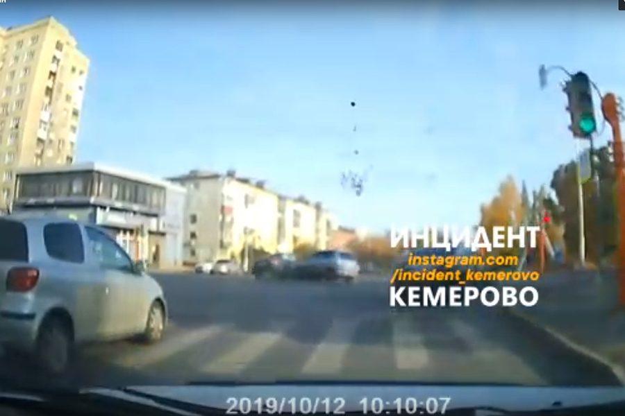 На видео попал момент аварии в Кемерове