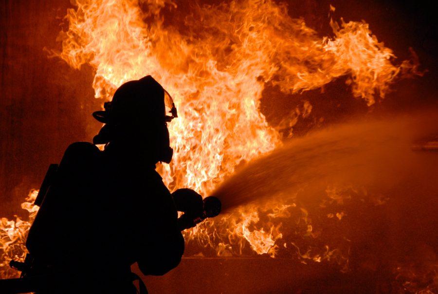 Видео: пожар в частном доме в Кемерове