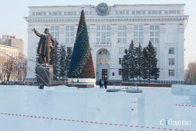 В Кемерове установили главную ёлку