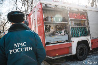 В Кузбассе в продуктовом магазине произошёл крупный пожар