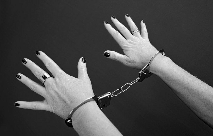 Пригрел змею на груди: кемеровчанка обворовала приютившего её пенсионера