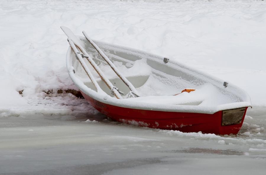 Из-за тёплой зимы в Кузбассе лёд стал опасным