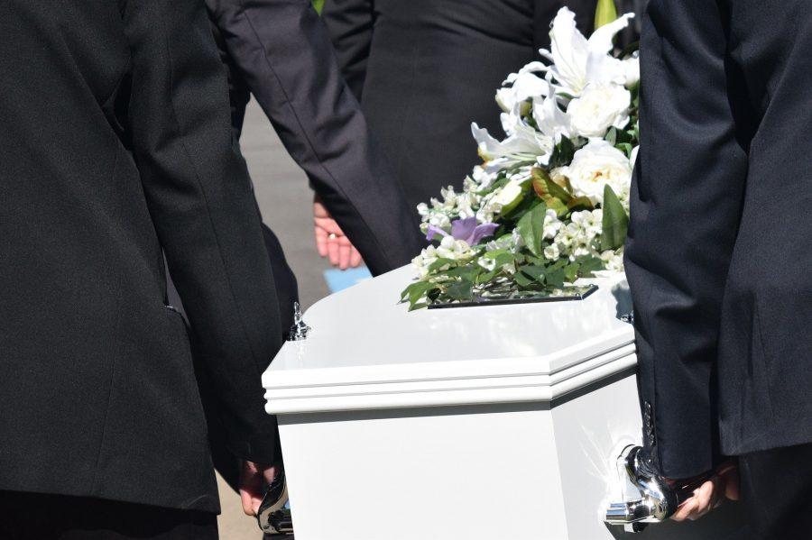 В Кузбассе будут судить похоронного агента, который покупал информацию о трупах