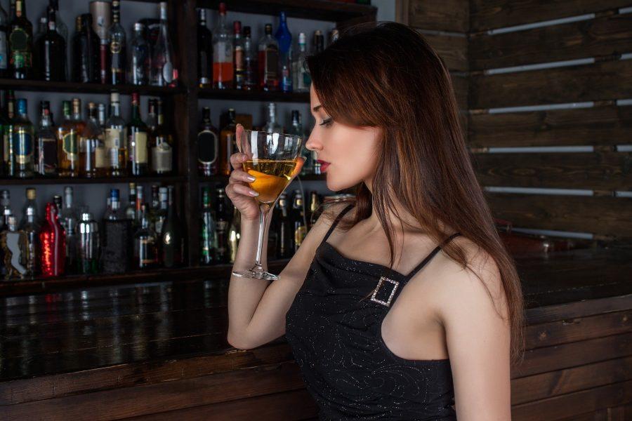 В Кузбассе женщина обокрала родную сестру из-за тяги к алкоголю